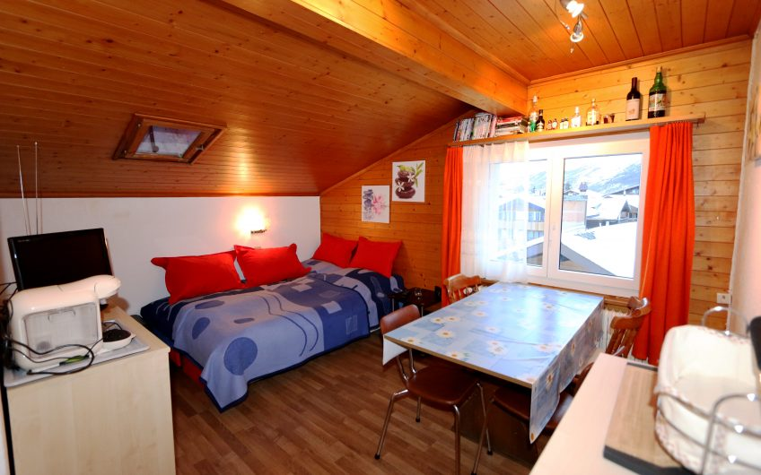 Falke top floor apartment