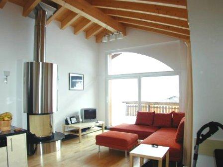 Evelyne top floor apartment