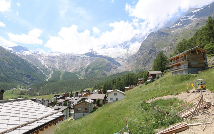 Pinnacle Luxury Apartment overlooking the village
